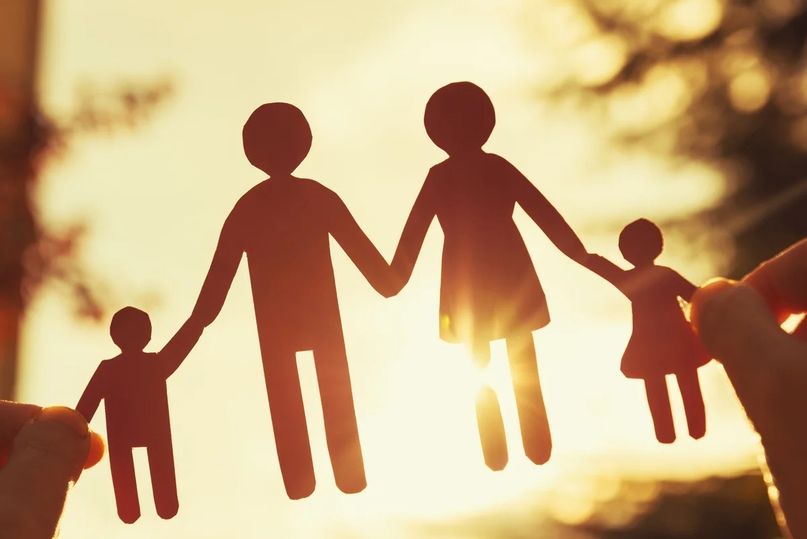 Вы обманываете детей по нескольким причинам - чтобы защитить, потому что им не нужно знать чего то плохого о вас, а также чтобы не разочаровать их и не лишиться их собственной любви.