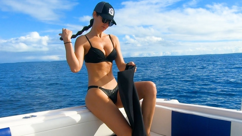 Spearfishing GIANT Lobster in The Bahamas VLOG Part 2 Freediving Huntress