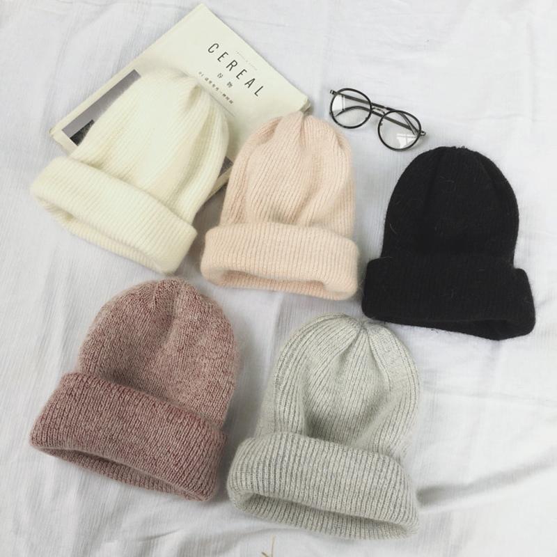 Мягкая и теплая зимняя шапка -