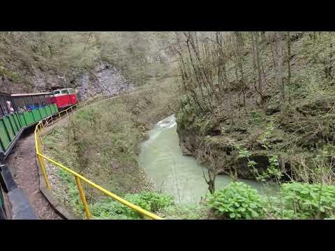 Сквозь Гуамское ущелье на узкоколейном поезде Going trough Guam gorge by narrow-gauge railway