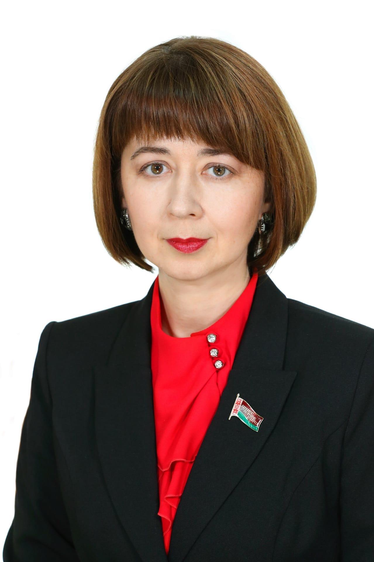 """Депутаты массово начали приглашать на личный прием граждан Бреста. А ещё """"прямые линии"""""""